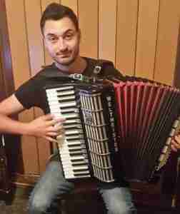 Stefan Nestoroski online accordion lessons Music Lessons Anywhere