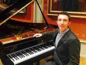 Music Lessons Anywhere live piano lessons online - Chris Cromey