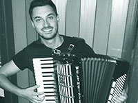 Music Lessons Anywhere online accordion lessons