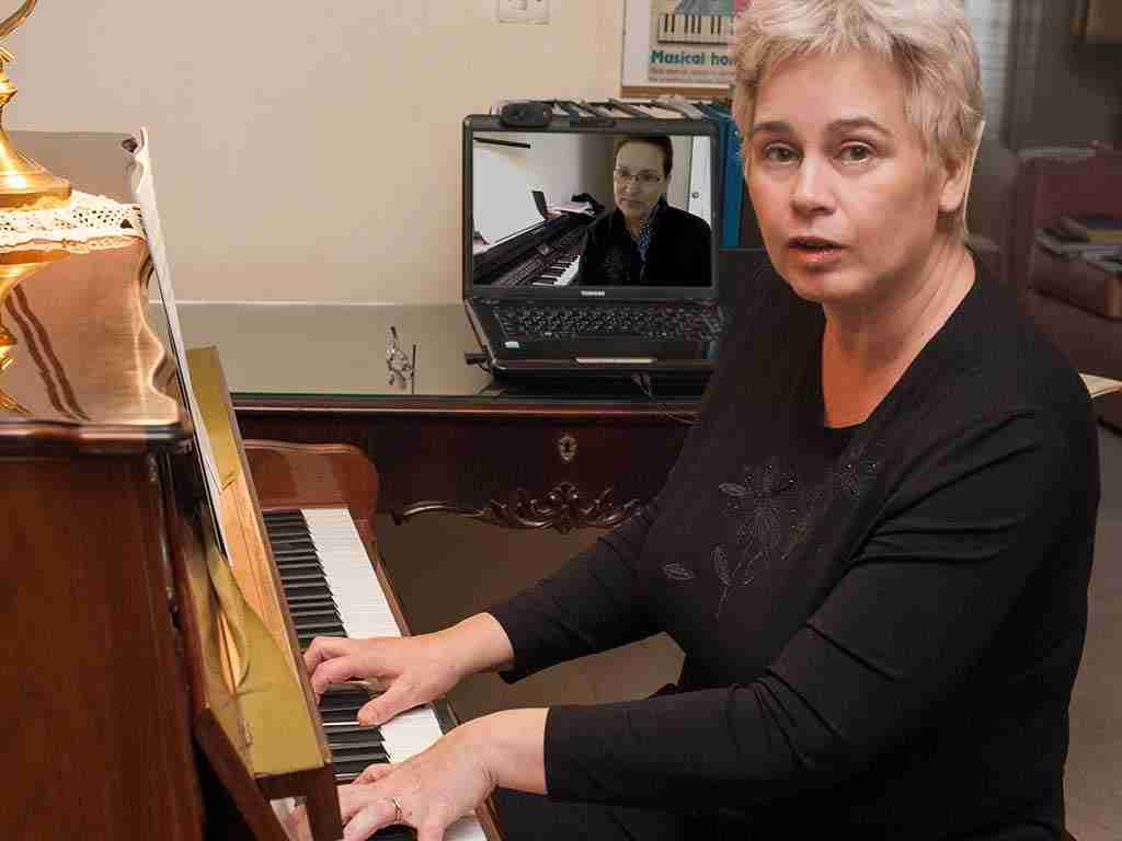 Skype advanced piano lessons online