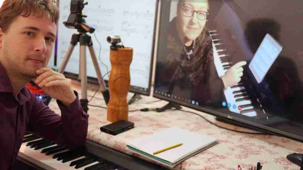 Advantages of Skype piano lessons live online