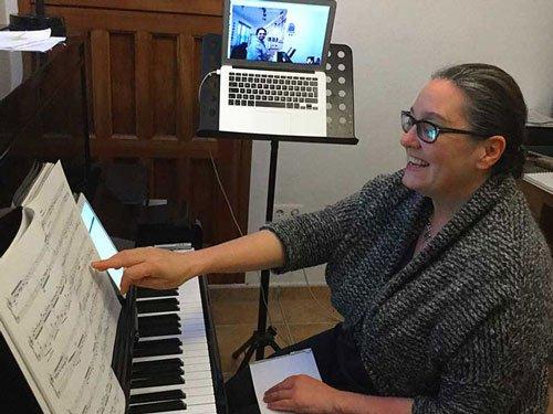 Skype piano lessons online in Saudi Arabia, Riyadh, Jeddah, Medina