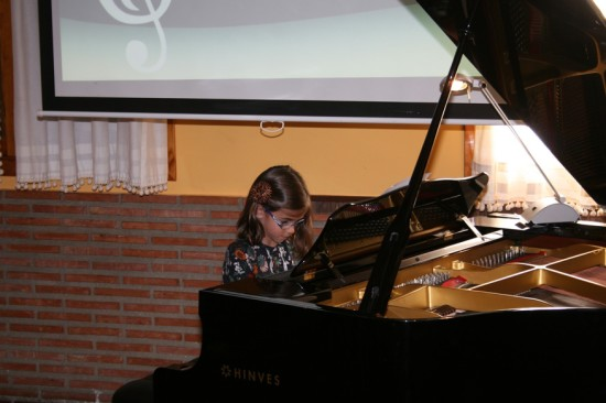 05-MusicLessonsAnywhere.net Piano Lessons Online Spring Concert 22nd March 2014