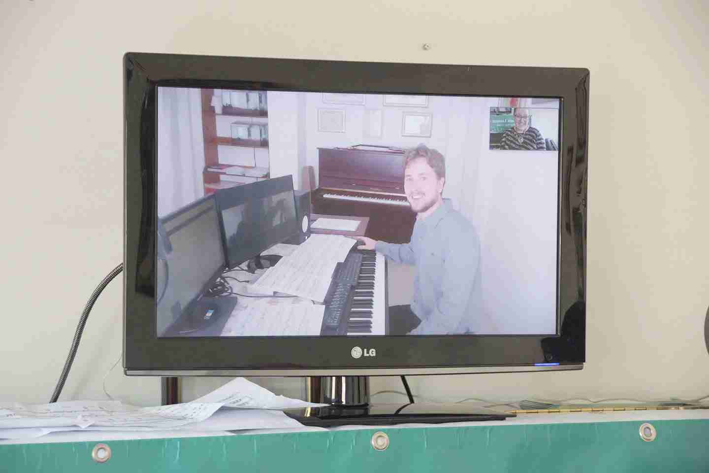 Music Lessons Anywhere Skype advanced piano lessons online Bohdan Syroyid