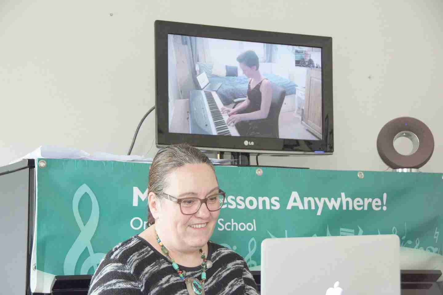 Music Lessons Anywhere Skype advanced piano lessons live online
