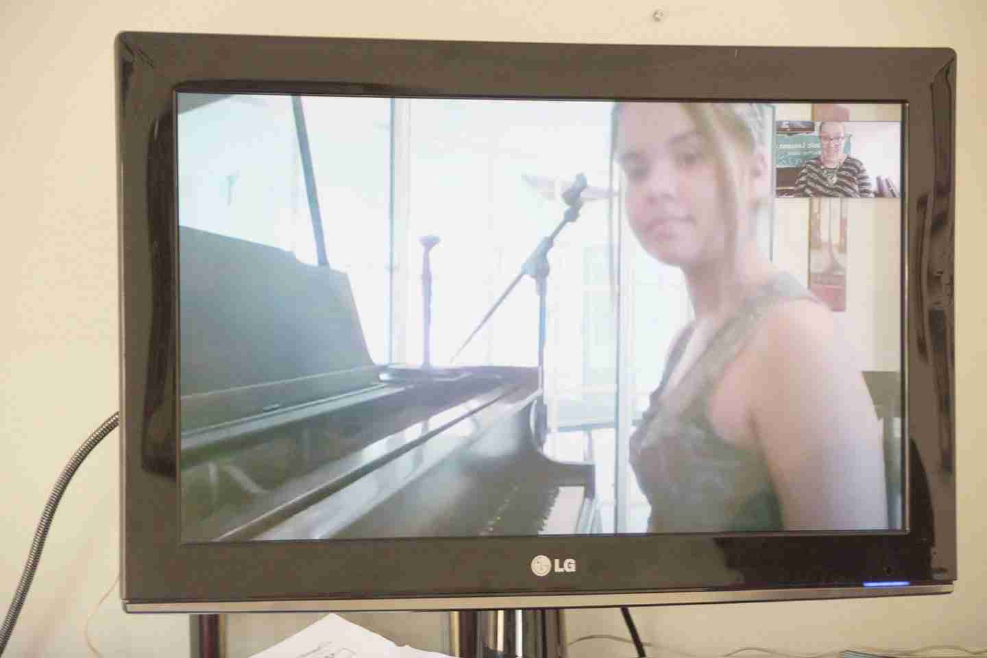 Music Lessons Anywhere Skype singing and piano lessons online