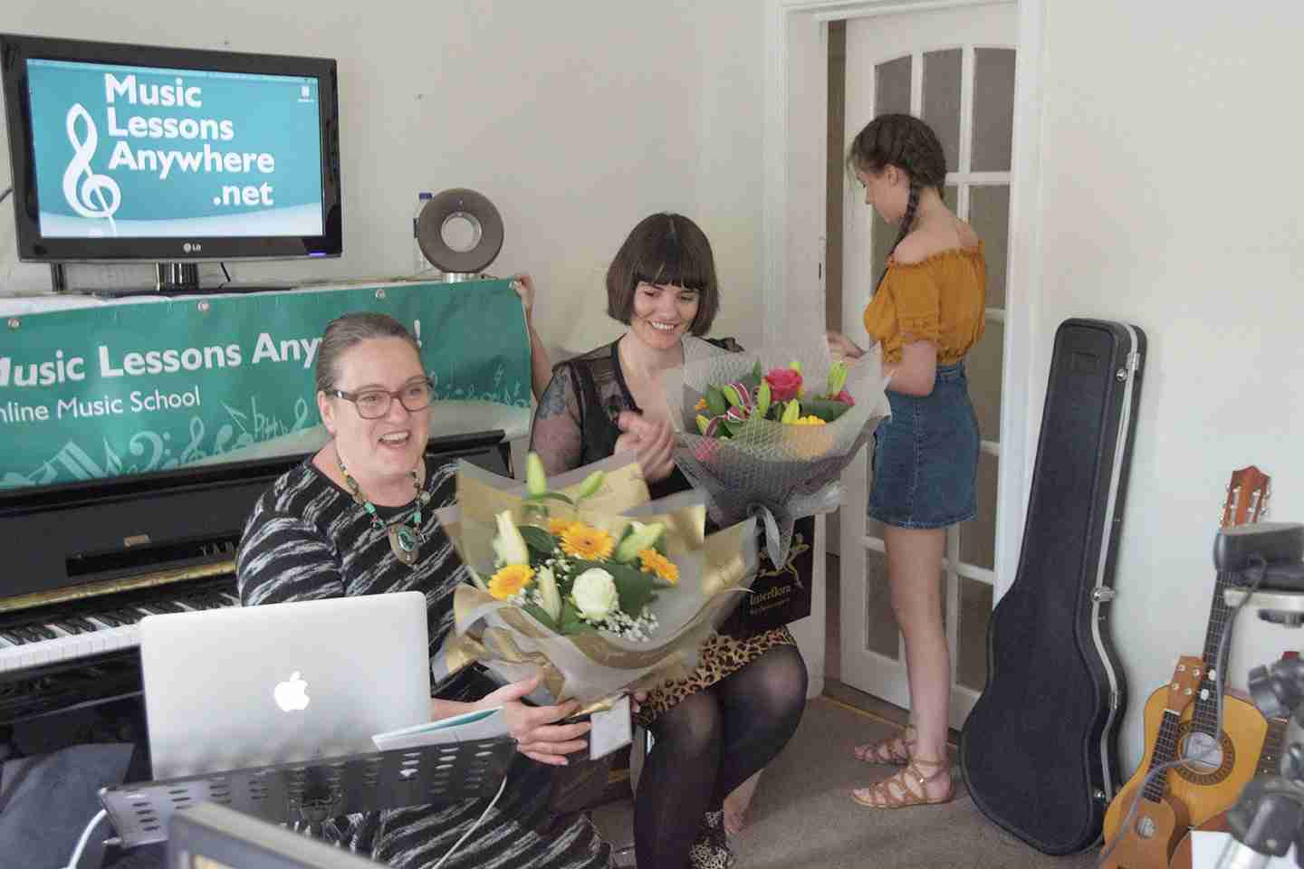 Music Lessons Anywhere Skype music lessons online Tracy Rose and Carol Hodge